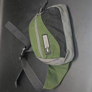 """REI Fanny Pack Green And Grey 9 1/2"""" X 8"""" Like New"""